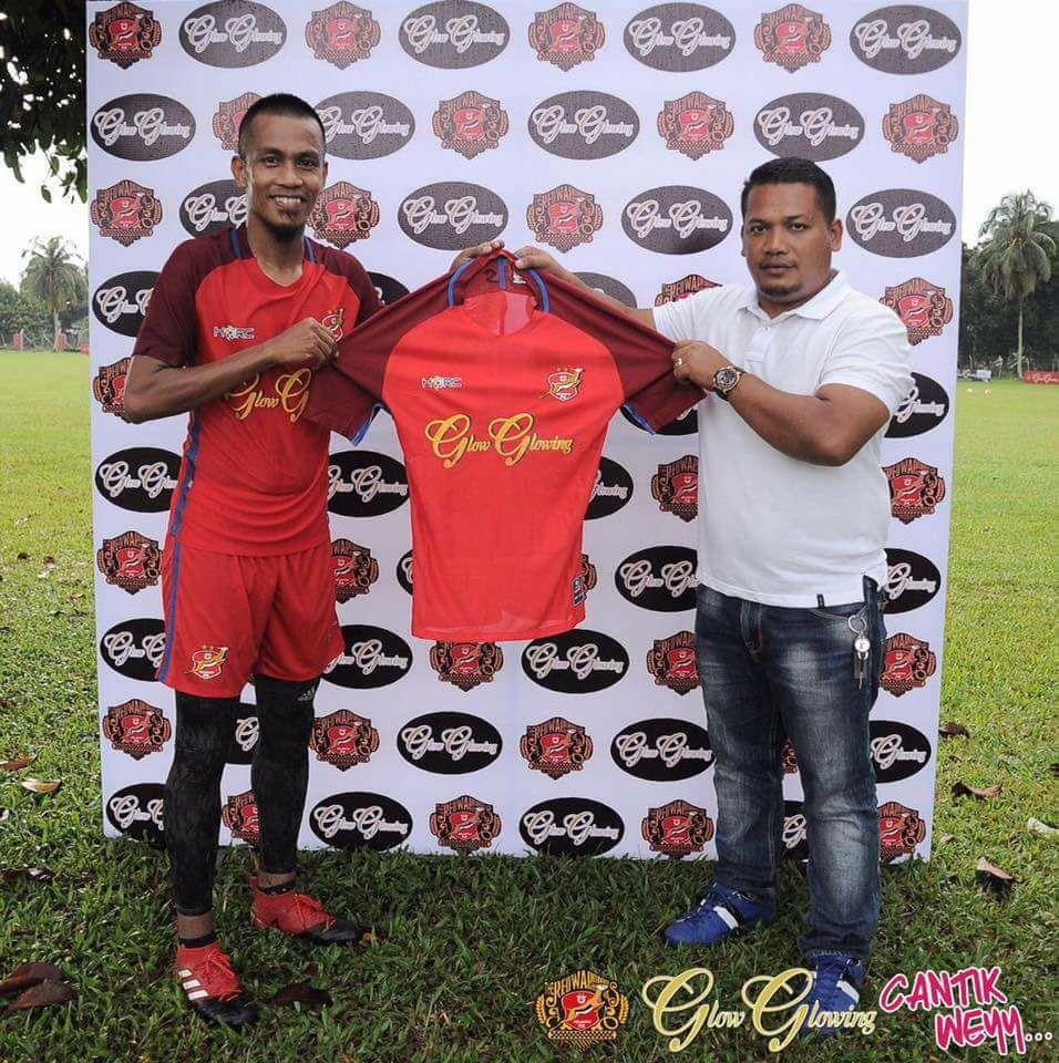 Kelantan The Red Warriors Training Kits 2017 | Dream League Soccer