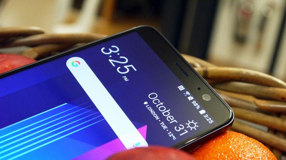 تسريب كامل مواصفات الهاتف الراقي القادم HTC U12