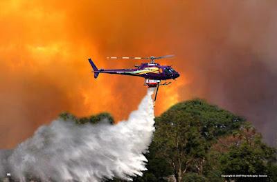 Hình ảnh trực thăng chữa cháy của các nước bạn