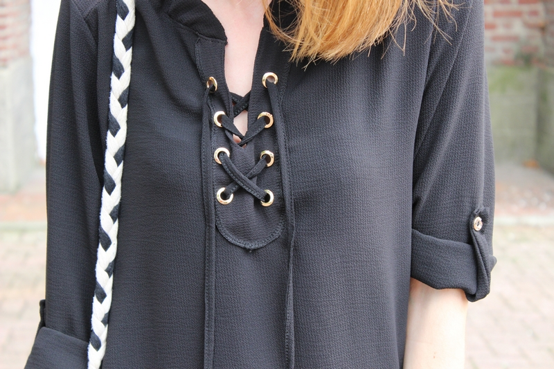 blouse-lacets