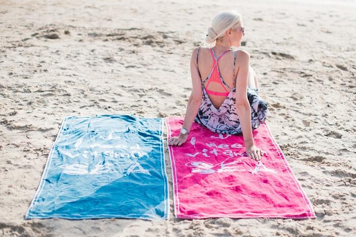 קולקצית קיץ בורדינון – סיפורי קיץ (מגבת חוף תיק - צילום תמי בר שי chicbox