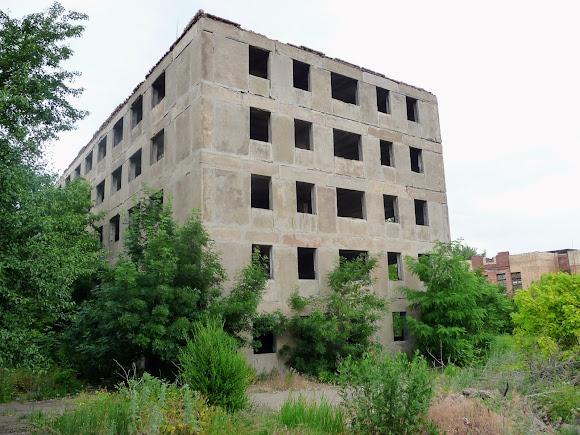 Константиновка. Многолетнее замороженное строительство