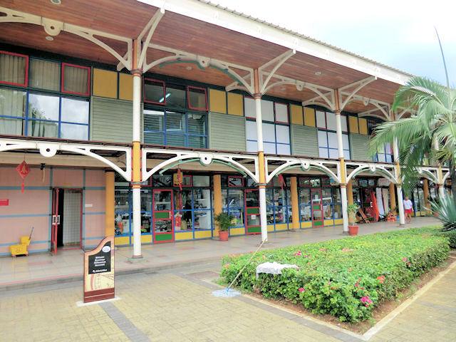 Mauritius, Port Louis, alte Markthallen  (C) JUREBU