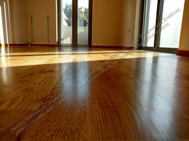 ρουστίκ ξύλινο πάτωμα