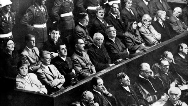 Die grüne Claudia Roth beleidigt – Strafverfahren wegen Bild-Montage des Nürnberger Prozesses