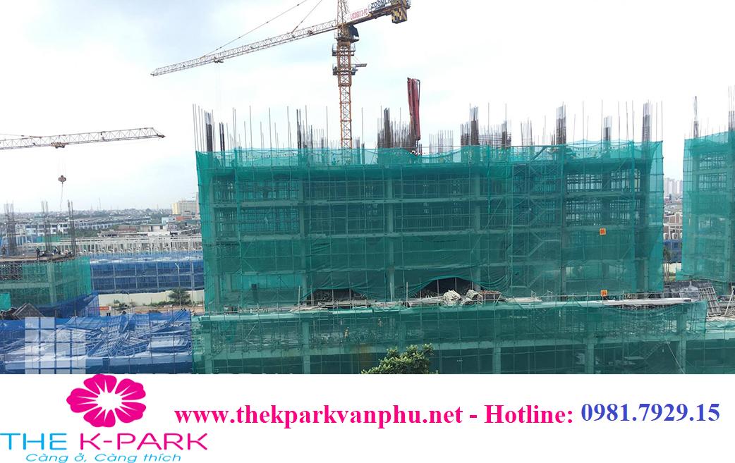 Tòa K2 The K Park Văn Phú: vẫn đang tiếp tục thi công mái tầng 7 (Sàn tầng 7) và làm cột tầng 8.
