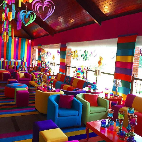 101 fiestas lindas ideas para una fiesta de adolescentes for Salon hippie