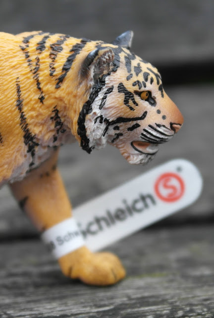 Educational Play the Schleich Way Tiger