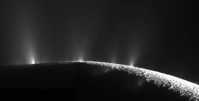 Plumes water ice and vapor spray from many locations near the south pole of Saturn's moon Enceladus, as documented by the Cassini-Huygens mission. Credit: NASA/JPL/Space Science Institute