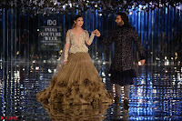 Alia Bhatt and Ranveer Singh walks the ramp for Manish Malra during Indian Couture Week 2017 Grande Finale  8 ~  Special 008.jpg