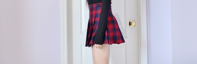 Romwe fashion review: red-and-navy plaid pleated American Apparel style tennis skirt/skort