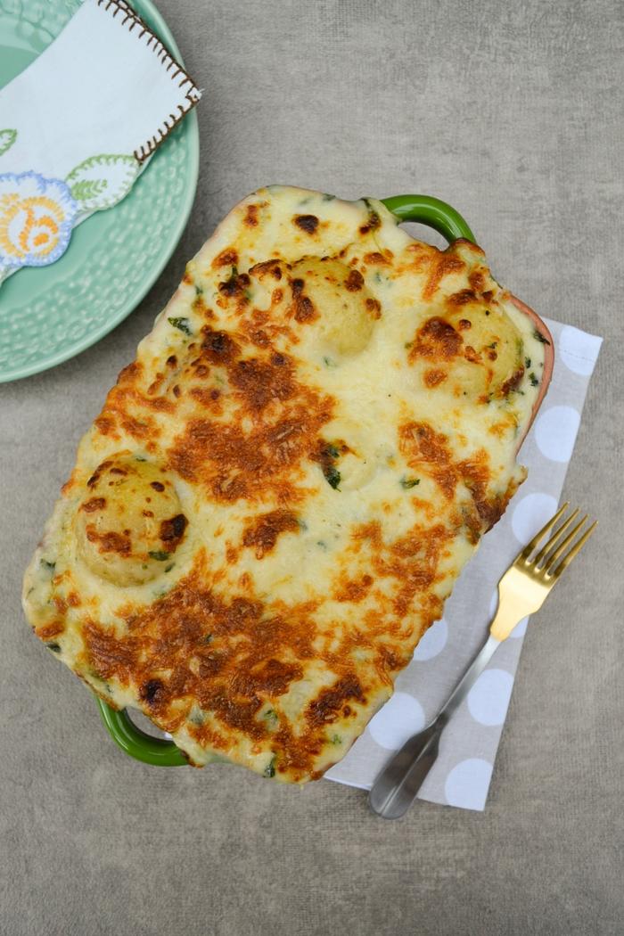 Cheesy Cauliflower and Potato Bake with Spinach (Veggie & Vegan Recipes)