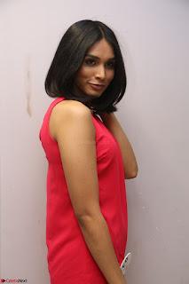 Spatika Surapaneni in Red Tight Dress at FBB Miss India 2017 finalists at Telangana auditions Feb 2017 (39).JPG