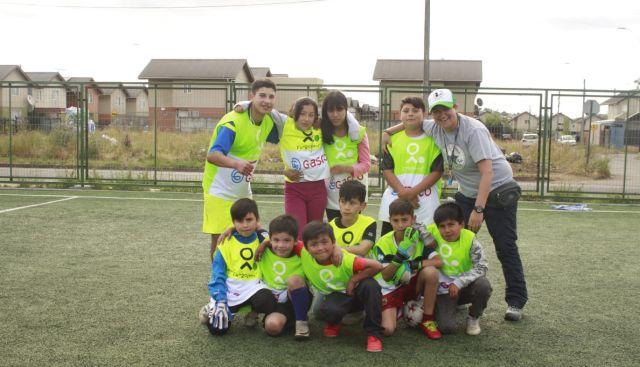 Fundación Fútbol Más y Gasco lanzan programa socio deportivo
