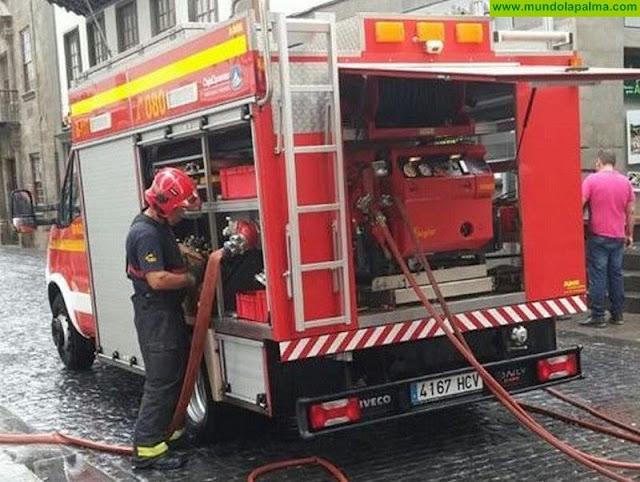 Un hombre intoxicado en un incendio declarado en Santa Cruz de La Palma