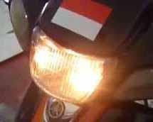 Inilah Cara Mengatasi Lampu Depan Motor Redup