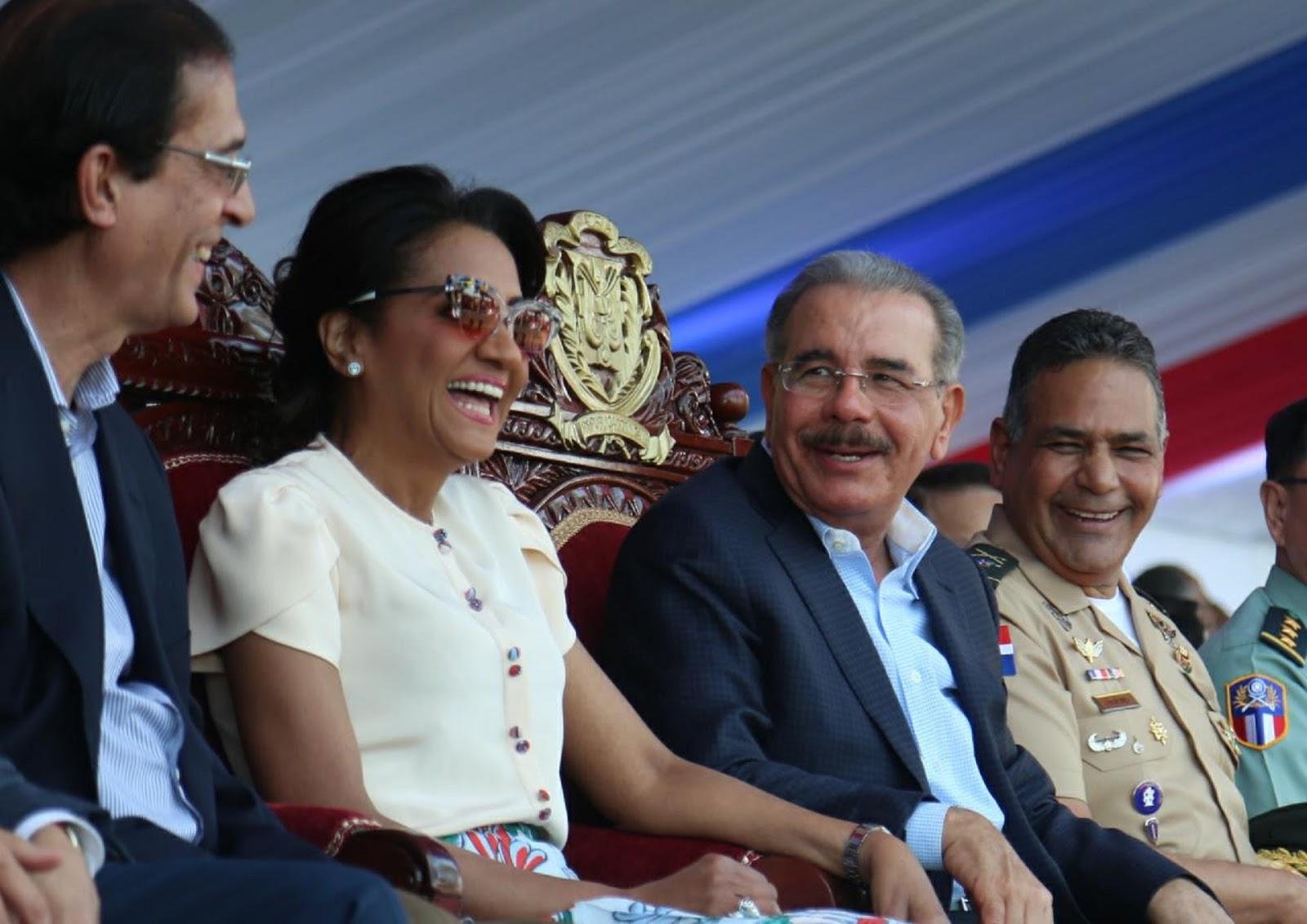 VIDEO: Danilo Medina preside desfile militar por 174 aniversario de la Independencia Nacional