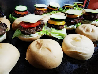 Meat and Bread burgers