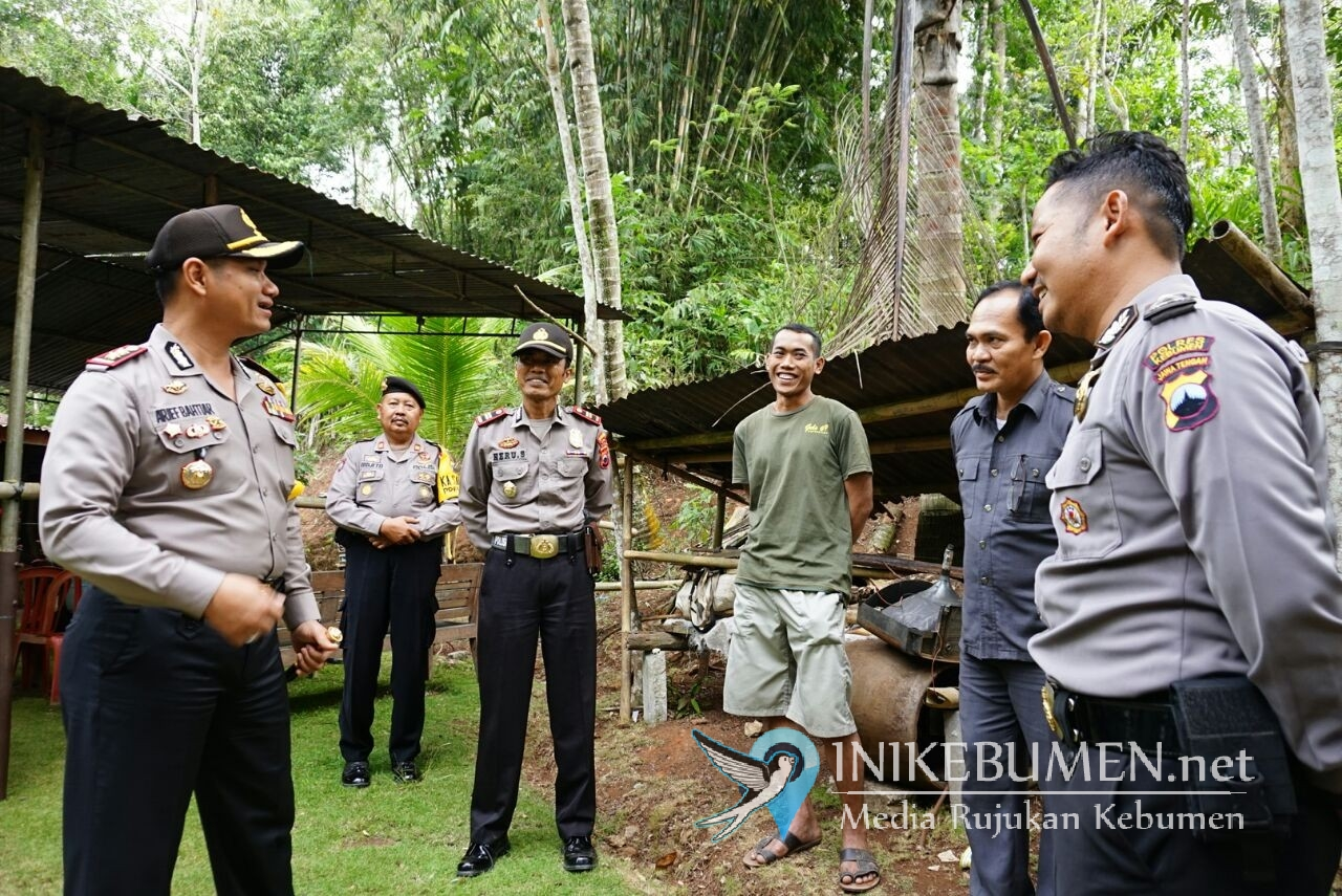 Jelang Pilgub Jateng, Kapolres Kebumen Pantau Langsung TPS Rawan di Ayah
