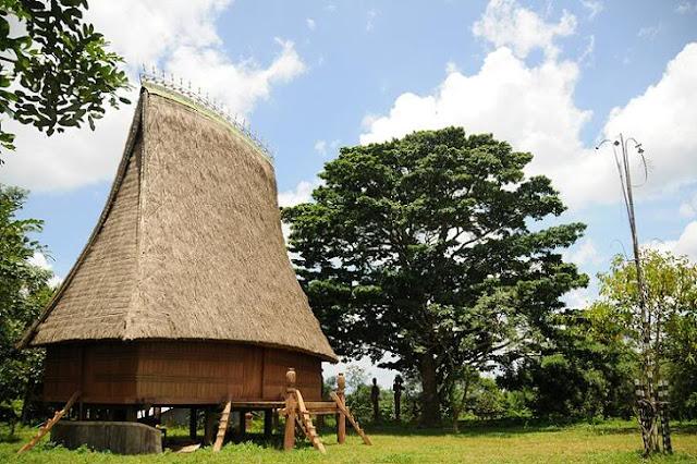 nhà Rông làng Óp