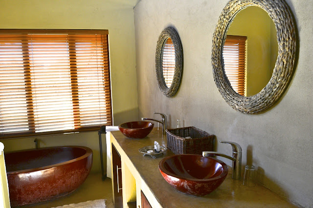 Bathroom at Pilanesberg Private Lodge, South Africa