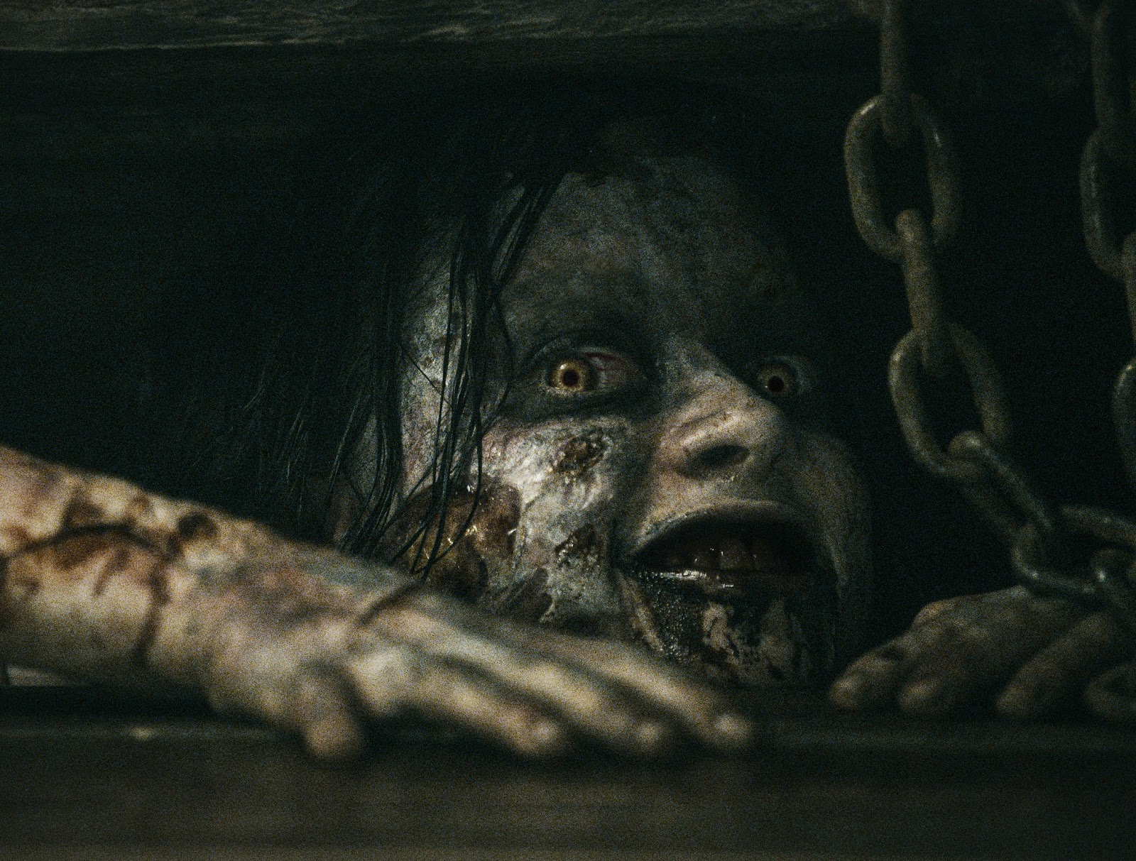The Girl Who Loves Horror: Movie Review: Evil Dead (2013)  The Girl Who Lo...