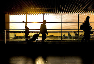 airport-man-travel-image