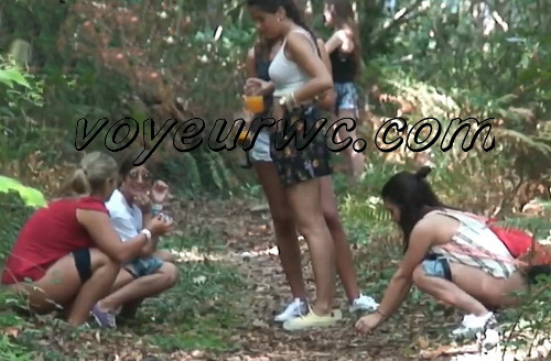 Girls Gotta Go 68 (Voyeur pee videos - Drunk spanish chicks peeing in public at festival)