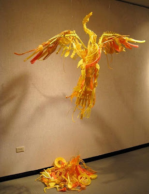 Esculturas de ave fenix  Sayaka Ganz