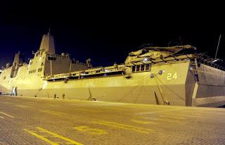 تونس: السفينة الحربية الأمريكية « USS Arlington » ترسو بميناء حلق الوادي.. وعلى متنها ناقلات مارينز ومدرعات برمائية