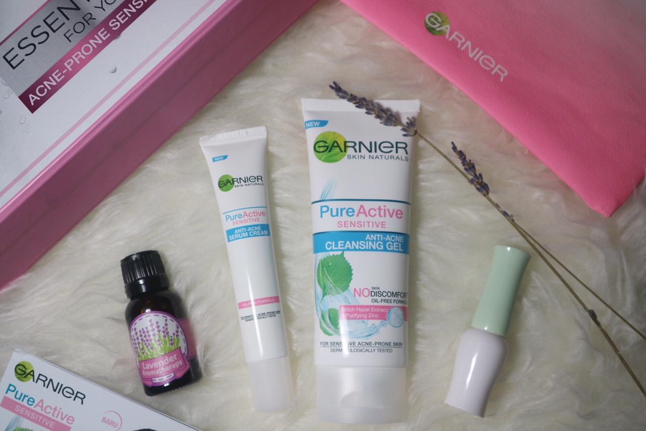 My First Ever Sociolla Package Is Garnier Pure Active Sensitive Kit Anti Acne Cleansing Gel Foam 100 Ml Ini Dia Set Yang Berada Dalam Sebuah Kotak Bentuknya Seperti Suit Case Dari X Indonesia