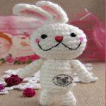 http://www.craftsy.com/pattern/crocheting/toy/amigurumi-bunny-crochet-pattern/209637?rceId=1467142099964~w11rygxj