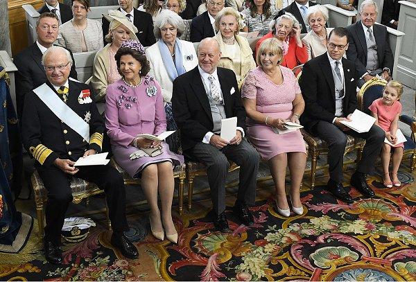 https://3.bp.blogspot.com/-eWAg5qmvDpM/V9KjFZnTNFI/AAAAAAABLAU/VRd6jukl2SsTN-2u1bs0l8mYP1Mpw34nwCLcB/s600/Sweden-Royals.jpg