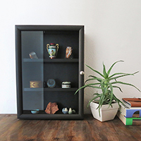 http://www.ohohblog.com/2016/02/diy-shadow-box-display.html