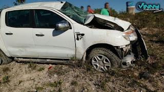 Veículo colide com poste em Barra da Estiva