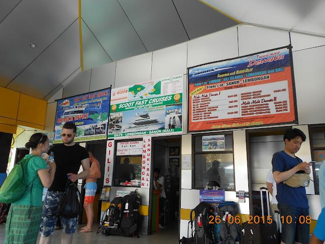 Pantai Senggigi Lombok - nenghepi.com