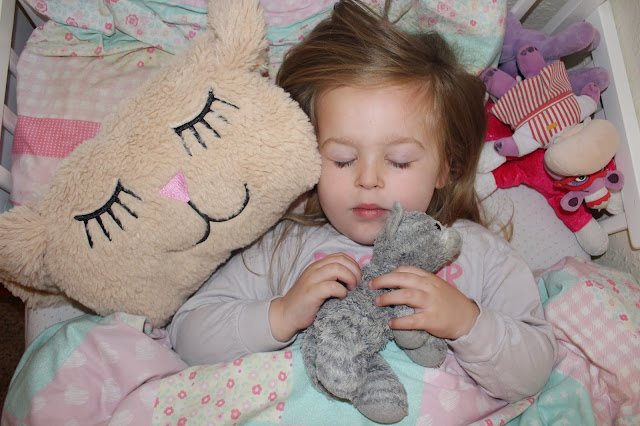 Helping a child with nightmares- Dream Pillow Review & Giveaway