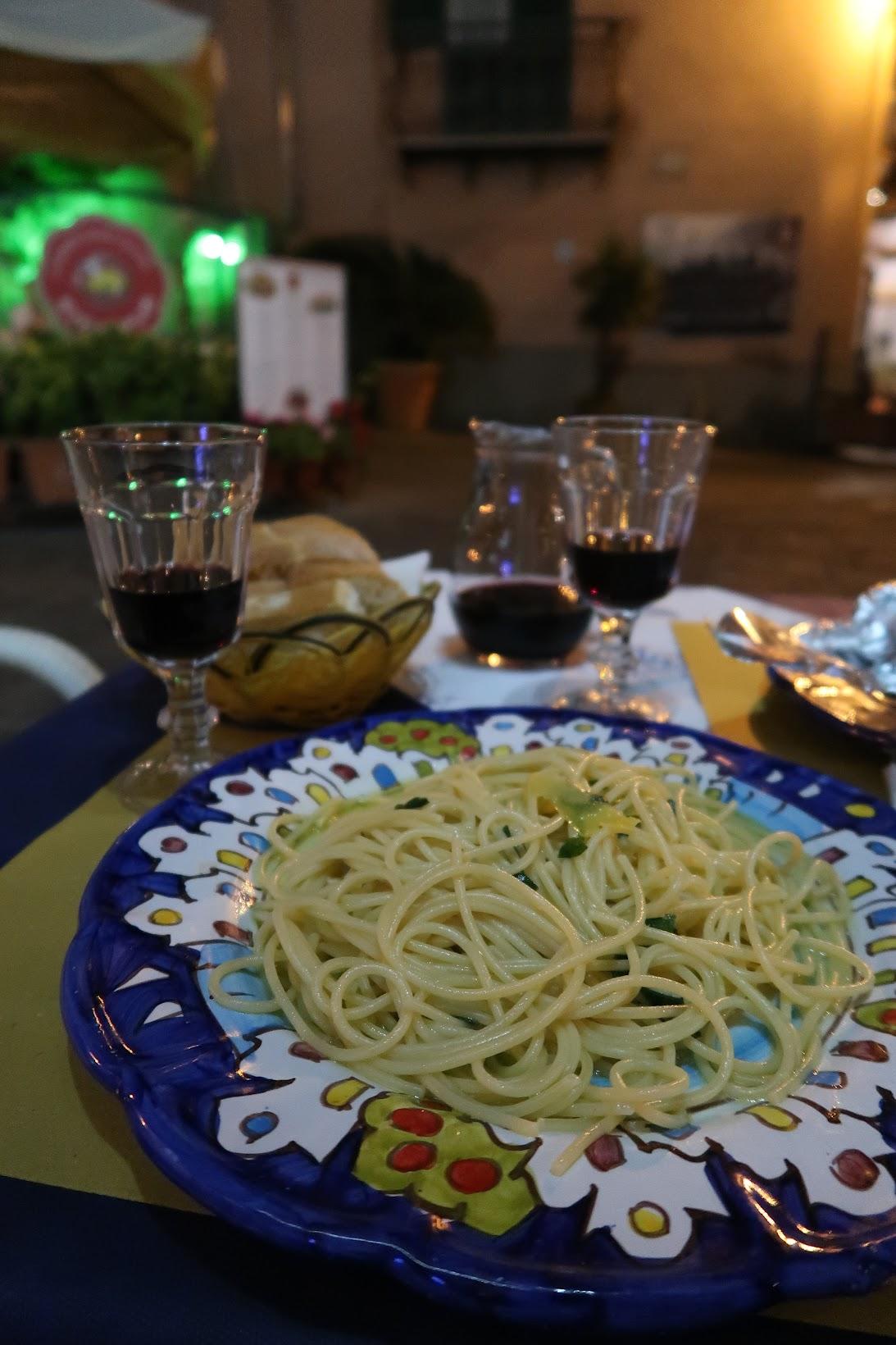 Travel guide to Minori and the Amalfi coast, Minori Italy, what to wear in Minori Italy, what to eat in Minori Italy, Traveling to italy this summer
