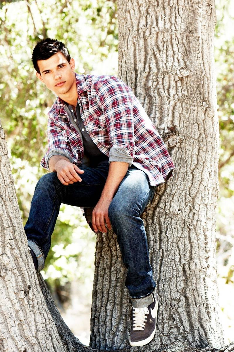 official taylor lautner fan page new photos taylor photo