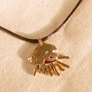 青鳥工房運用純熟技術呈現珠寶作品