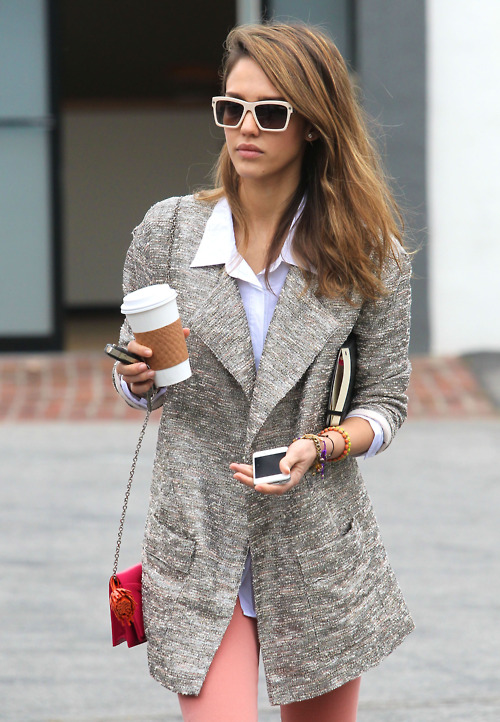 Jessica alba sunglasses something similar