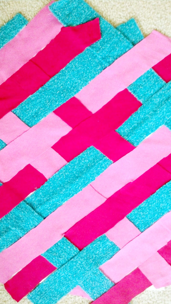 diy - weaved strips of fabric