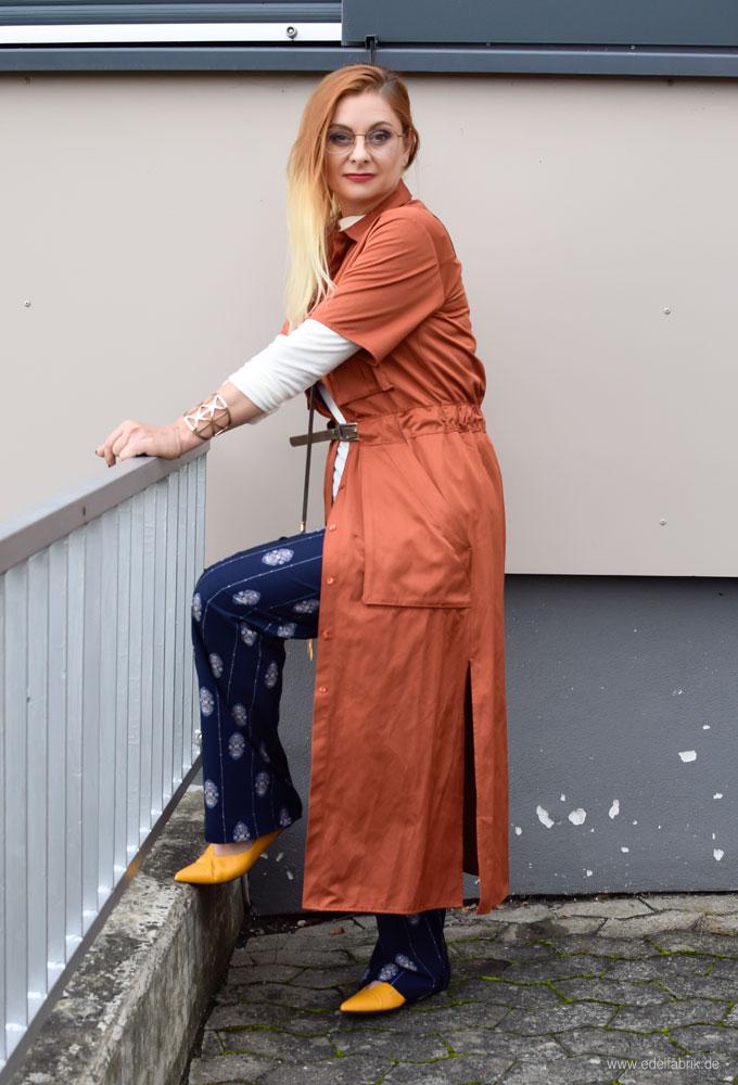 Lagenlook mit Kleid über Hose für Frauen über 30 und 40