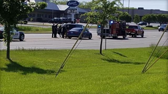 Héroe sin capa: salta a otro auto para salvar a un conductor que se estaba convulsionando