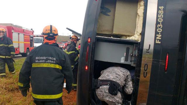 Acidente com ônibus da Força Nacional deixa 8 vítimas [FOTOS]