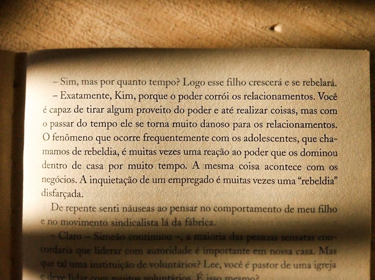 LIVRO/RESENHA/JAMES C. HUNTER/LIDERANÇA/VERDADEIRA LIDERANÇA/EMPREENDEDORISMO/NEODESVARIO/BLOG