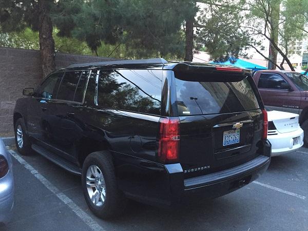 Rückansicht eines Chevy Suburban 2016 in Las Vegas aufgenommen