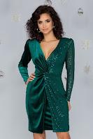 Rochie LaDonna verde din catifea