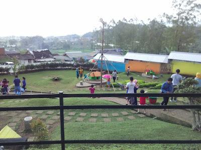 Taman kelinci, malang, batu, wisata, kuliner, edukasi, gmaps, travelling, rabbit field, plaza garden, batu, jawa timur, wisata
