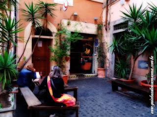 Entrada da pizzeria em Trastevere
